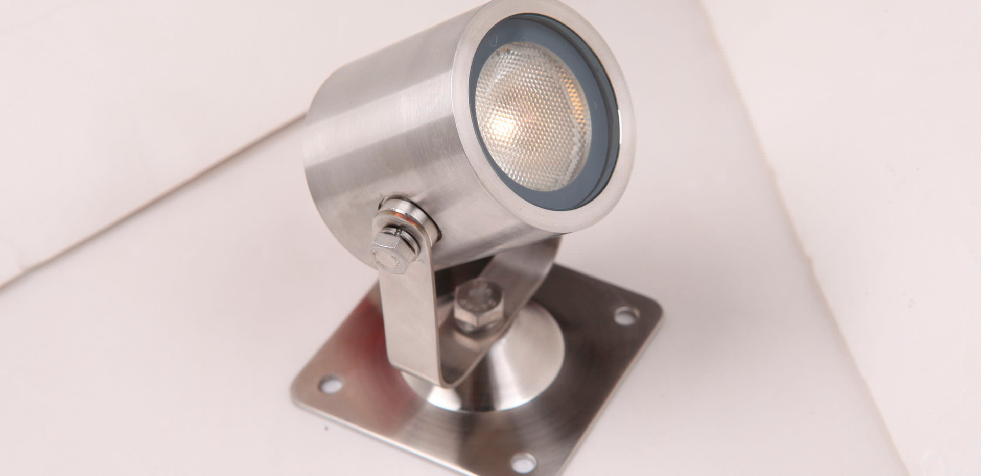 exterior-led-spotlights-61242-2178435.jp