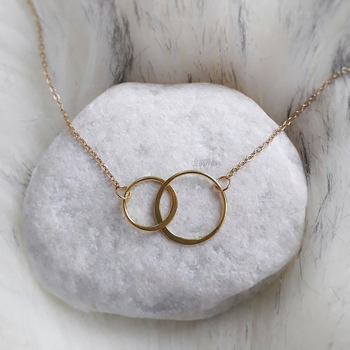Bini Chohan - Gold circles necklace