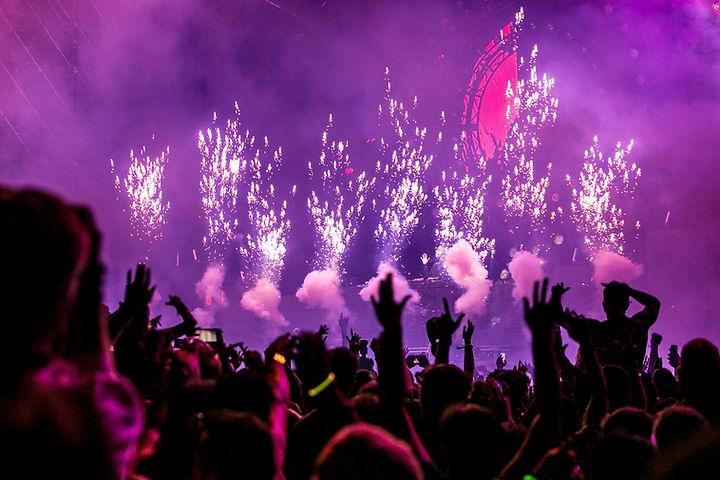 purple-fireworks-effect-1190298.jpg