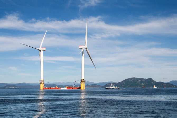 Huge geophysical potential for open ocean wind farms in the North Atlantic