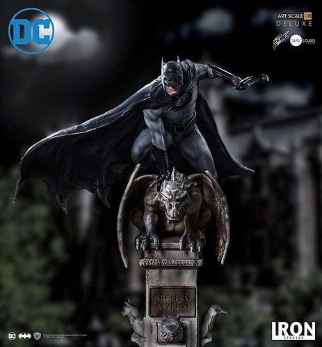 Iron Studios Deluxe Art Scale 1/10 Batman Statue by Eddy Barros