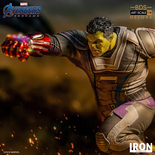 Iron Studios 1/10 Scale Hulk Statue Deluxe Version