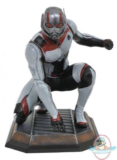 Diamond Select Marvel Gallery Avengers: Endgame Quantum Realm Ant-Man Statue