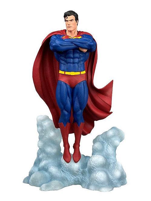 Diamond Select DC Gallery Superman Ascendant Statue