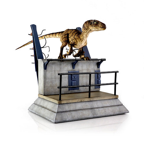 Chronicle Collectibles Jurassic Park Breakout Raptor Statue