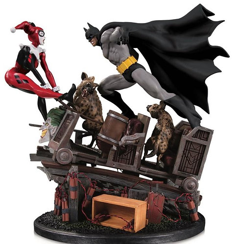 DC Collectibles - Batman vs. Harley Quinn Battle Second Edition Statue
