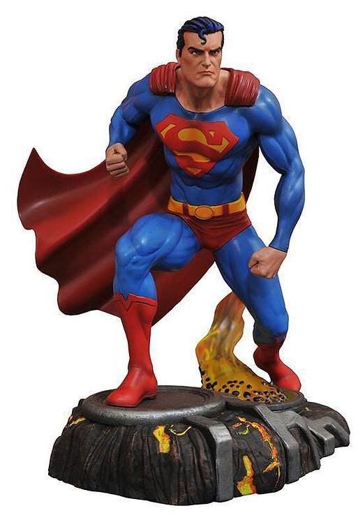 Diamond Select DC Gallery Superman Comic Statue