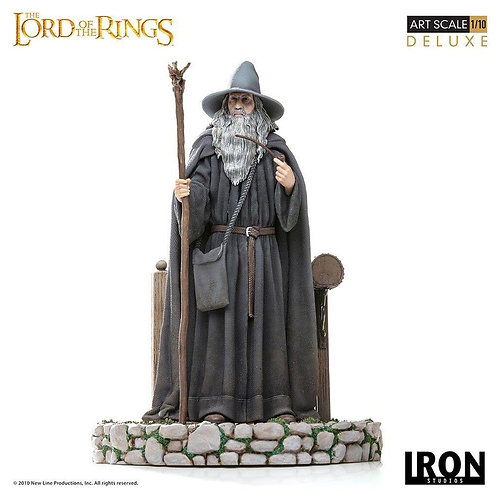 Iron Studios 1/10 scale Lord of the Rings Gandalf statue