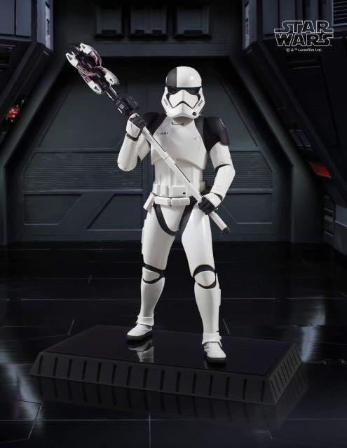 Gentle Giant Star Wars The Last Jedi Executioner Trooper 1/6 Scale Statue