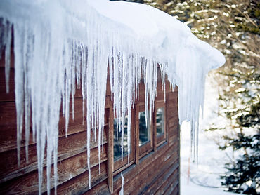 roof-ice-dam-185082486-580507d05f9b5805c