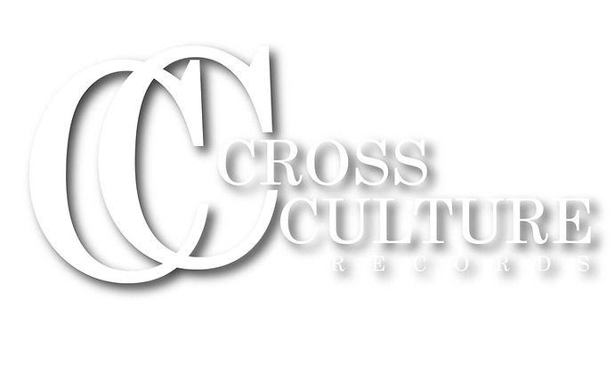 CROSS CULTURE ロゴ 白影.jpg