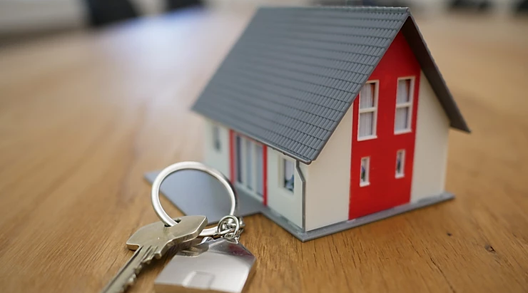 Two Ways Estate Agents Take Advantage of Landlords