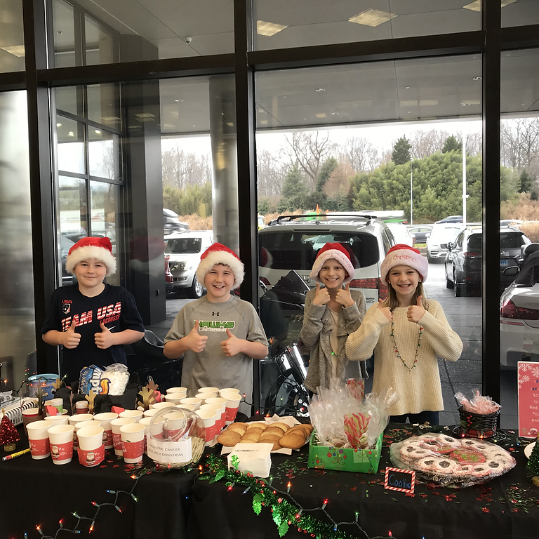 Photos & Hot Chocolate with Santa