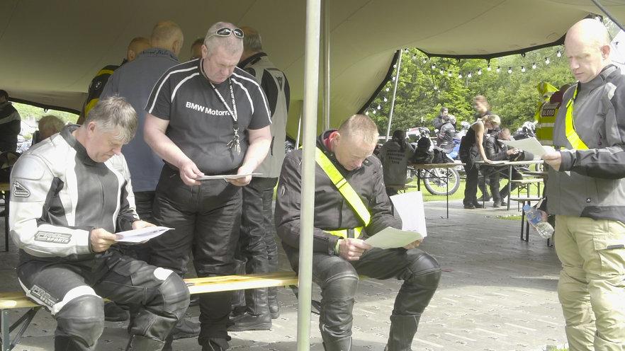 riders reading maps.jpg
