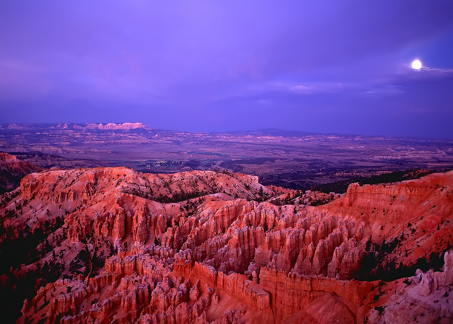 Alpenglow at Bryce Canyon NP