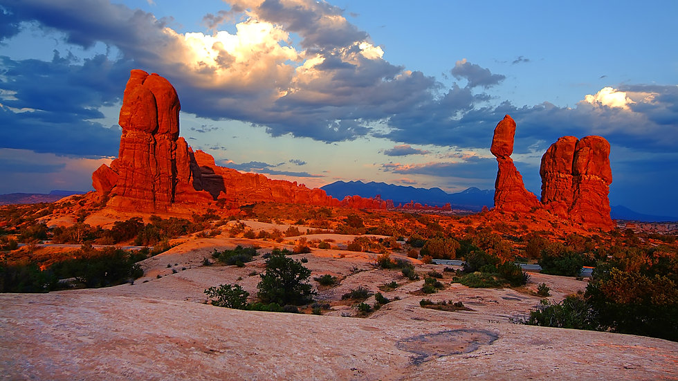 Sunset on Balanced Rock