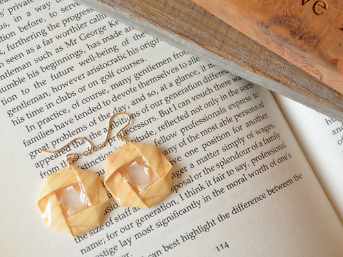 Fine Wood Origami Camellia Earrings 木の紙の椿のピアス