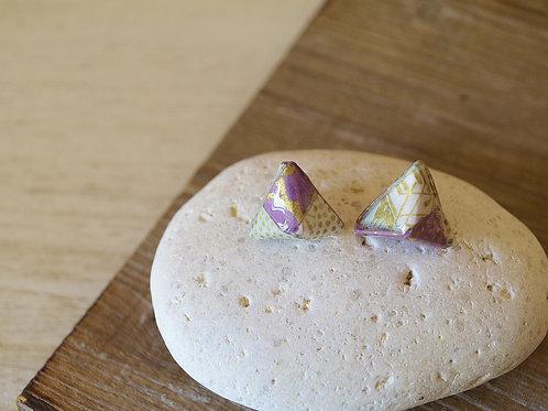 Origami Pyramid shaped Stud Earrings 立体三角形の折り紙スタッドピアス