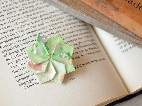 Origami Dahlia Brooch 折り紙のダリアのブローチ