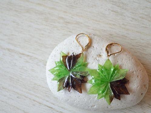 Origami Flower Earrings 緑と茶の折り紙の花のピアス