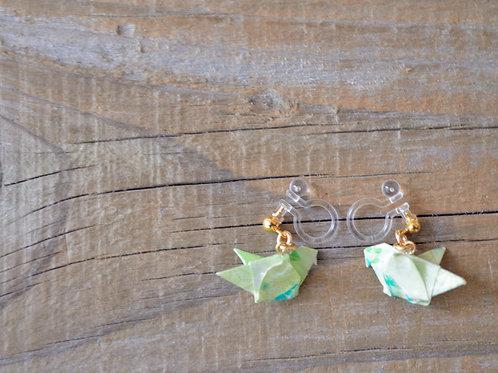 Origami Dove Earrings 薄緑のハトの折り紙イヤリング
