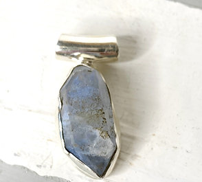 Dumortierite Quartz Pendant Rare 925 Silver