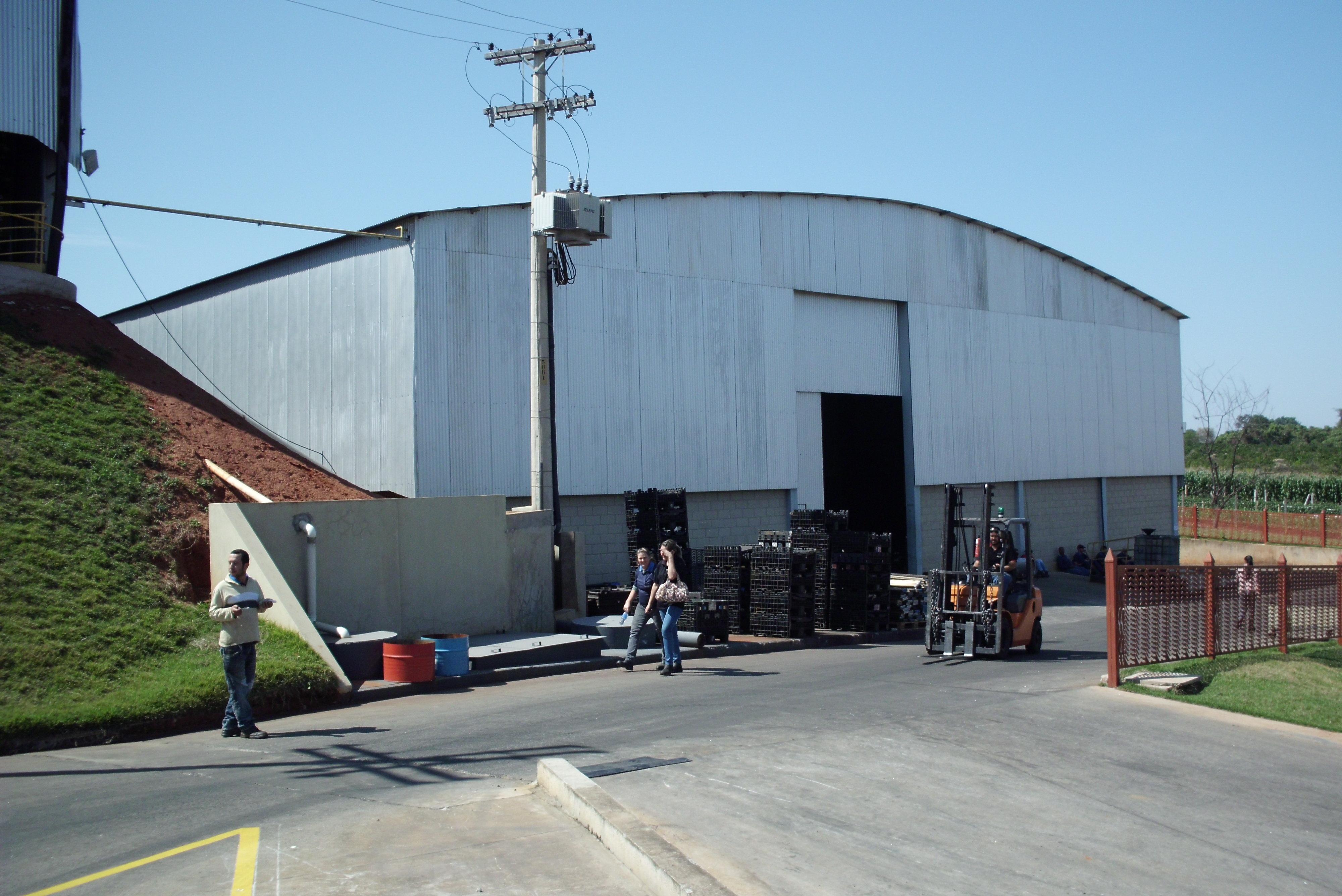 Galpão setor de usinagem