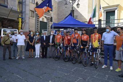 Cerimonia di accoglienza del Mattone del mondo per l'italia a Cava de' Tirreni.