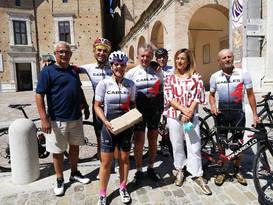 Consegna del sasso-simbolo della Città di Urbino per il Museo dei Sogni.