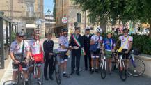Arrivo del Mattone a Tropea, accolto dal sindaco Giovanni Macrì e le autorità locali.