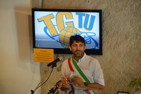Il sindaco di Feltre Paolo Perenzin apre ufficialmente la partenza del Mattone del mondo per l'Italia al Museo dei Sogni, Memoria, Coscienza e Presepi.