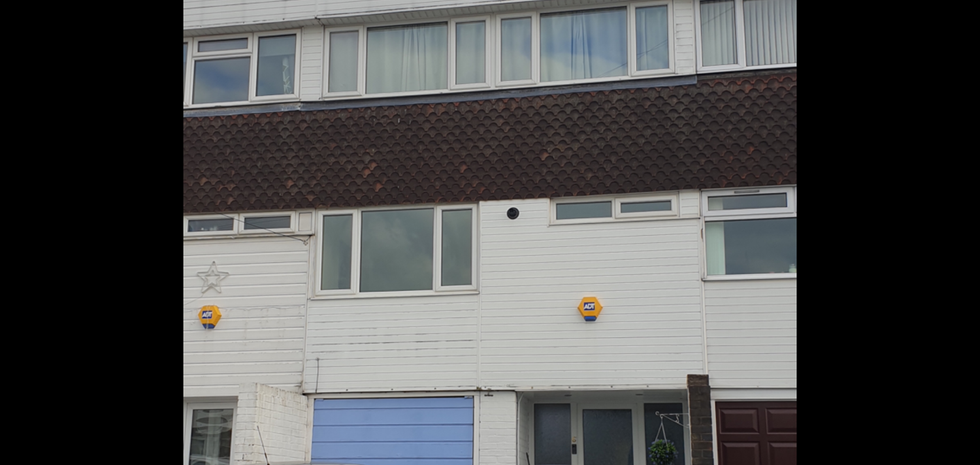 Flat roof in need of repair.