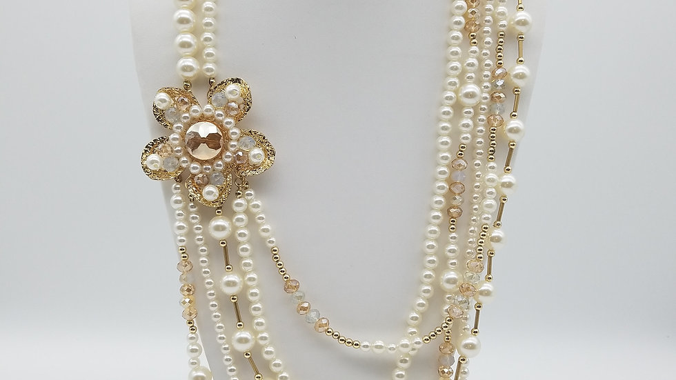 Flowered Pearl Necklace
