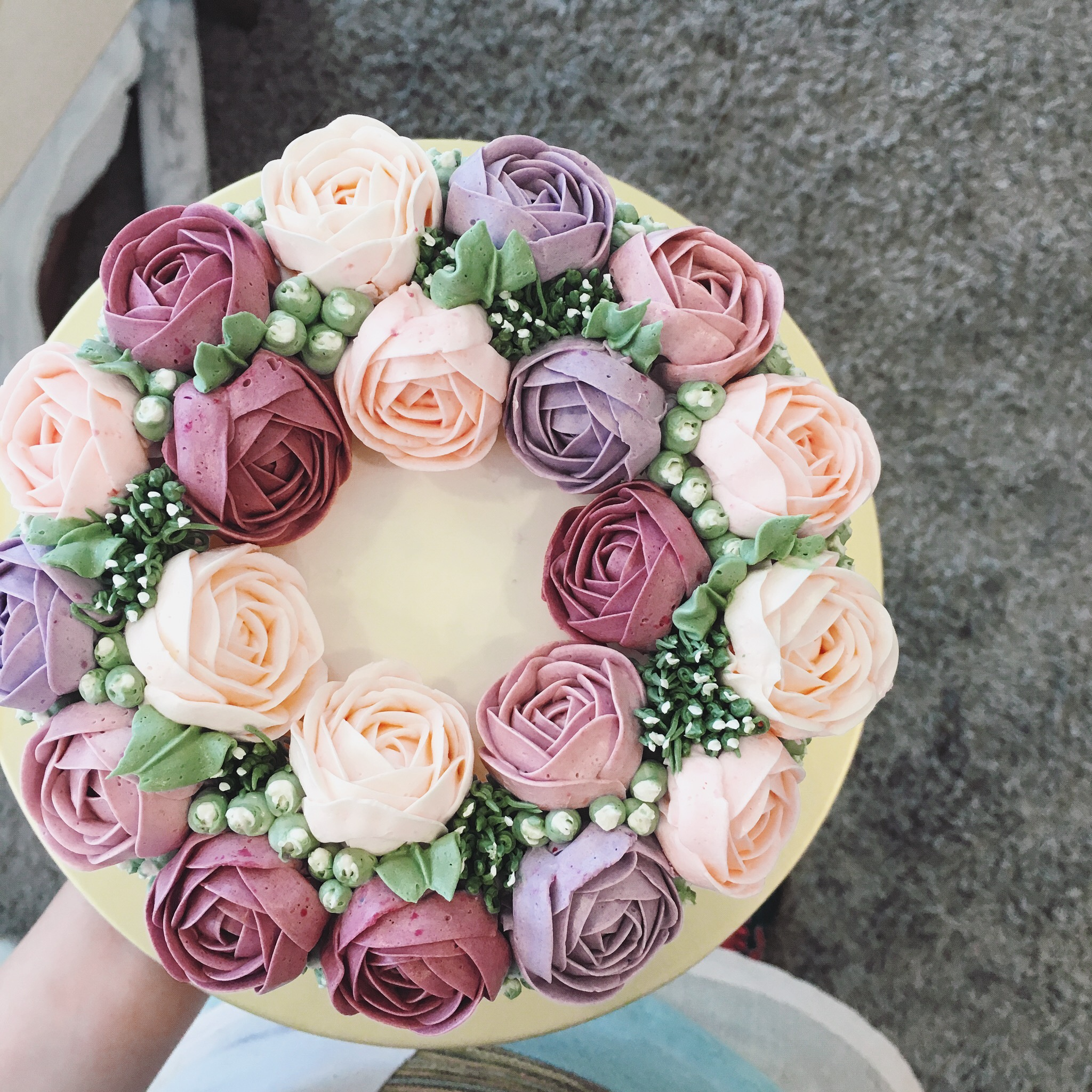 3D HANDPIPED ROSES