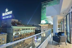 vista-night-terrace_small.jpg