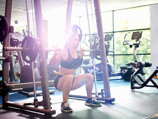 7 Reasons why women should lift weights.