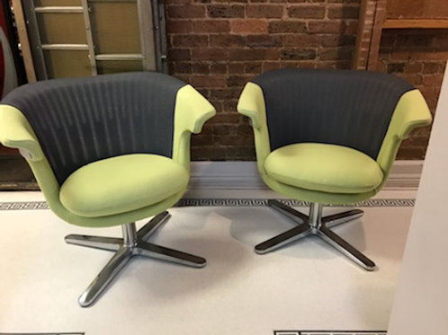 (2) Steelcase i2i Lounge Chair