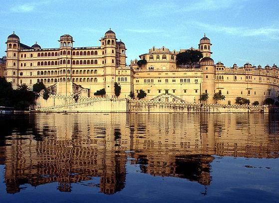 3070709Udaipur_City_Palace_Main.jpg