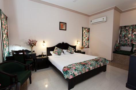 Executive Room4.jpg