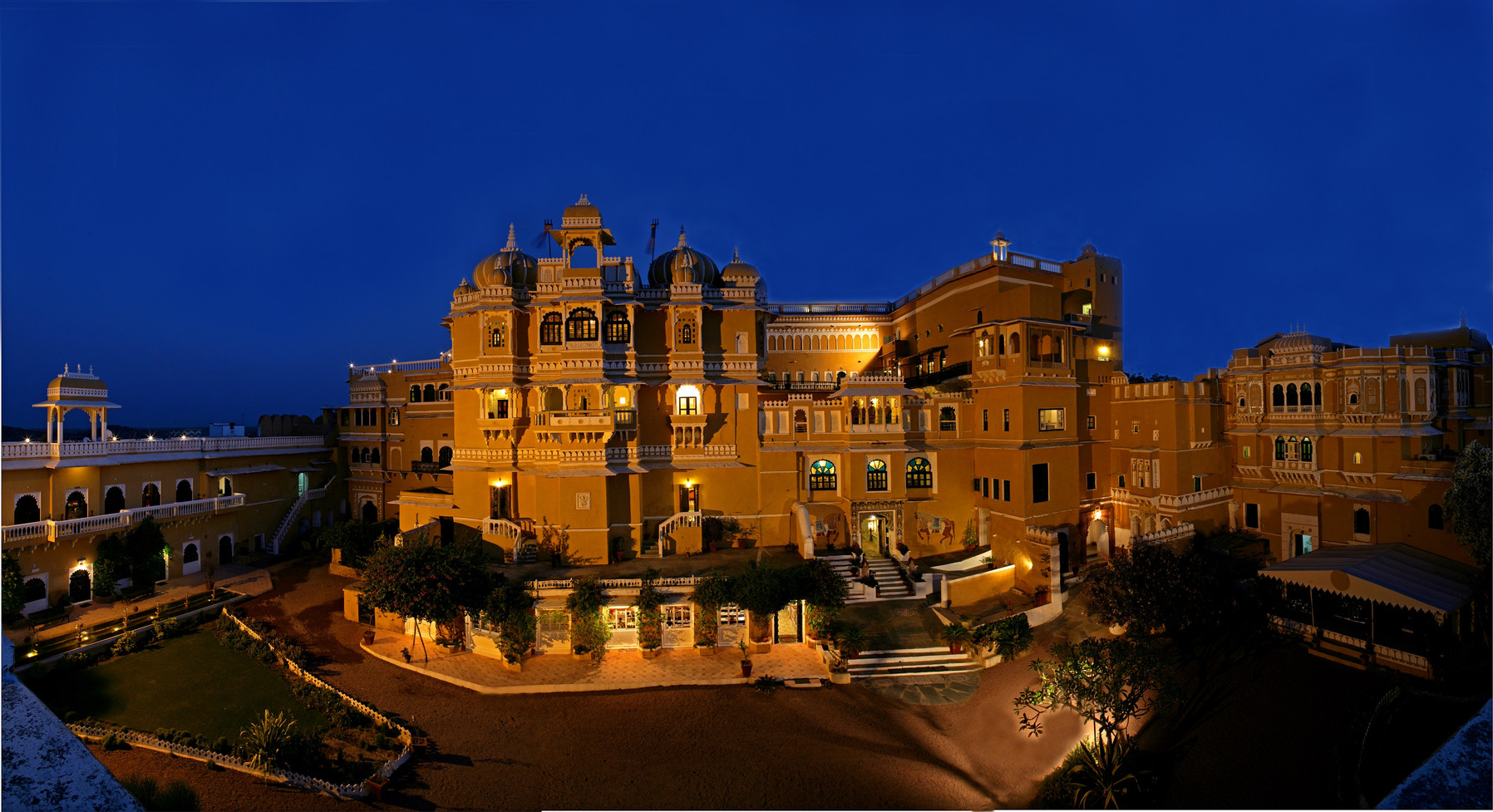 DEOGARH MAHAL PANORAMA NIGHT.jpg