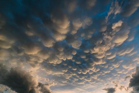 1920_Pillow_Clouds_Sunset.jpg