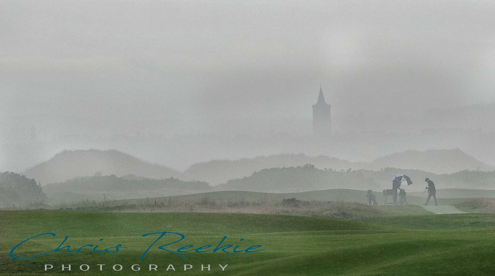 It never rains on the links!