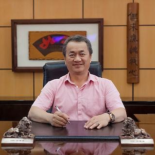 chairman_3.jpg