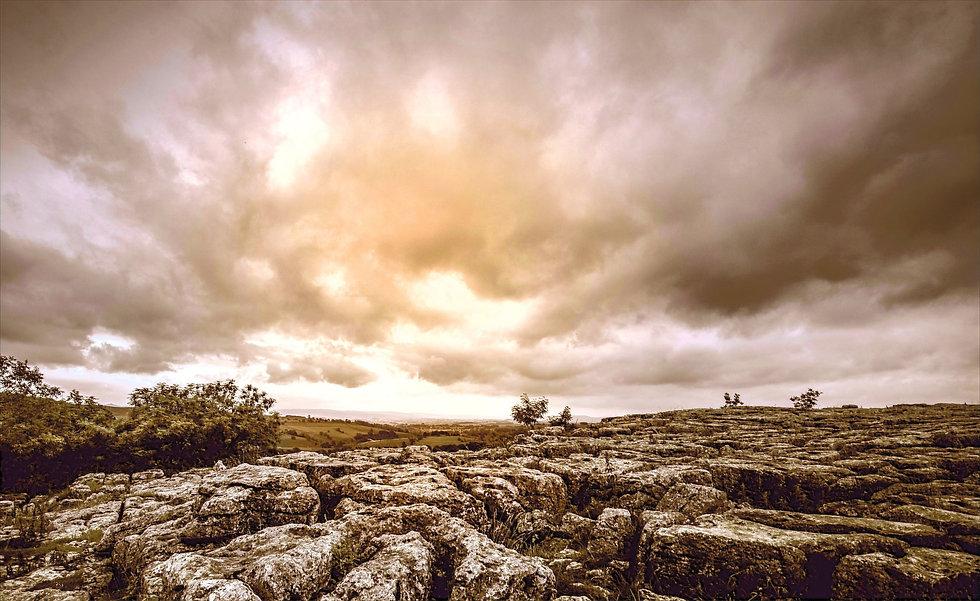 Cloudy%20Scenery_edited.jpg