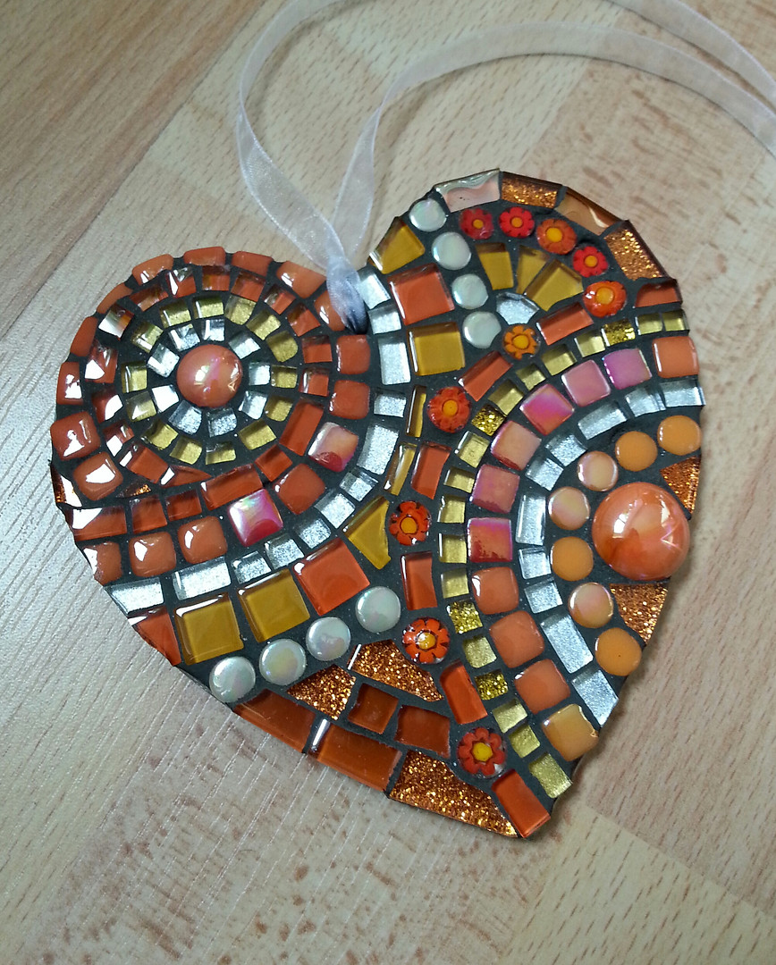 LH8 Large Orange Curves Heart  £22 Each