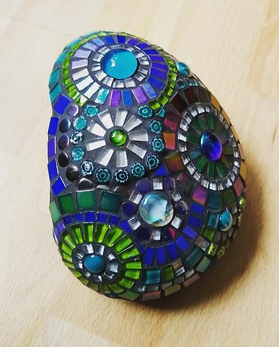 R13  Med Blue/Green Circles  £40 - £45