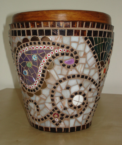 P4 Henna Pot