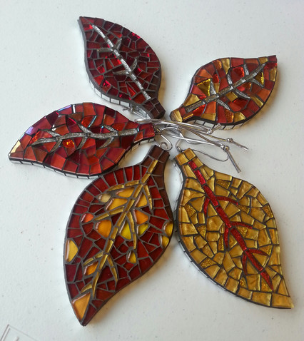 LF31 Red/Gold Leaves Sample Designs  £13 Each