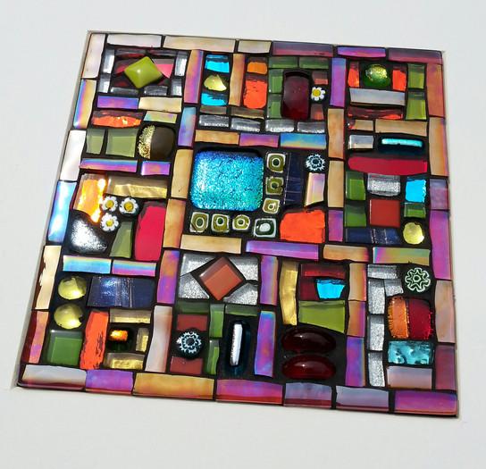 MU18 Jewel Squares Quilt (Mini - Red)