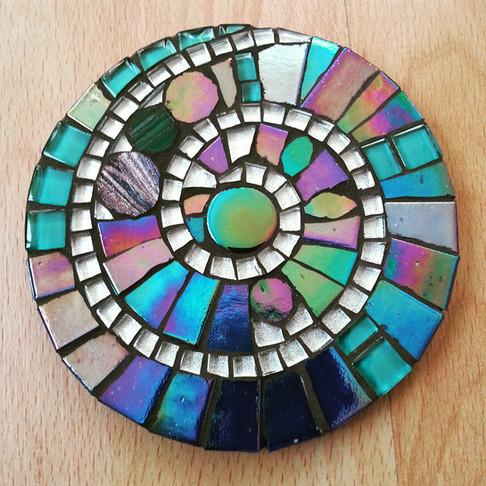 CR1 Iridescent Blue/Silver Spiral  £12